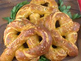 Cheddar Garlic Soft Pretzels #BreadBakers