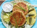 Salmon Cakes (Retro Fish Burgers)