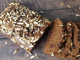 Moist and Eggless Whole Wheat Banana-Chocolate Cake: The Most Addictive Bread / Cake