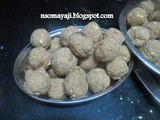 Oats - Corn flakes - Walnuts Laddu