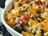 Baked ziti with tomatoes, broccoli and olives
