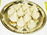 Ukadiche Modak using mould - Ganesh Chaturthi Naivedya Recipe