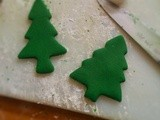 Fondant Xmas tree decorations, step by step