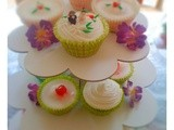 Wedding cupcakes with fondant bride and groom