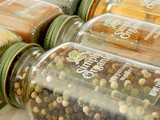Simply Organic Set of Holiday Spices Giveaway