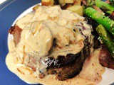 Steaks with Gouda Sauce