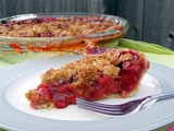 Strawberry Rhubarb Pie with Crumble Topping