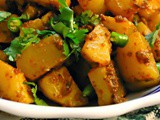 Sukha Chatpata Aloo (Spicy Dry Potatoes Sans Onion And Garlic)