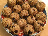 Nuts and Muesli Cereal Balls (Cereal na Ladoo)