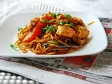 Mee Goreng (Indian Style Fried Noodles)