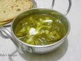 Aloo Palak | Potatoes in Spinach sauce | Side dish for Roti/naan