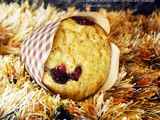 Muffin Monday: Oatmeal Muffins with Berries and Walnuts