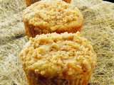 #MuffinMonday: Apple Cinnamon Crumb Muffins