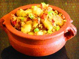 Urulai Pattani Kaara Curry (Spicy Potato Green Peas Curry)