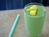 Green smoothie: kale and mango