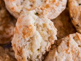 Black Pepper Cheddar Scones