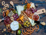 How to Make The Best Charcuterie And Cheese Platter For The Holidays