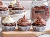 Keto Chocolate Cupcakes With Cream Cheese Frosting