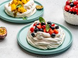 Mini Pavlova Cake Recipe (Video)