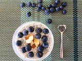 Chia pudding with blueberries / budino ai semi di chia con mirtilli