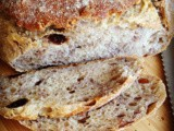 Pane al lievito naturale con uvetta e noci / walnut raisin sourdough bread