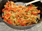 Sweet peppers with onion and zucchini / peperoni dolci con cipolle e zucchine