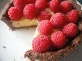 Raspberry tarts with chocolate pastry