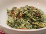 Penne with Spinach and Cheese Sauce