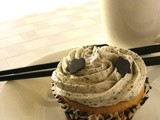 Black & White Sesame Cupcakes with Sweet Bean Filling