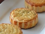 Red Bean Mooncakes