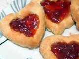 Strawberry Shortbread Heart Cookies: The English Call Em' 'Jammie Dodgers'