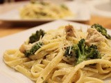 {Skinny} Grilled Chicken and Roasted Broccoli Fettuccine Alfredo