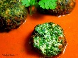 Spinach and Cottage Cheese Koftas in Tangy Tomato Gravy