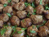 Baked meatballs with onions