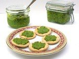 Fat Hen and Chickweed Pesto