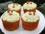 White Chocolate & Passionfruit Cupcakes