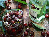 Ciliegie al vermouth bianco – Cherries in white vermouth