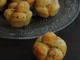 Mini Herbed & Garlic Butter Monkey Bread