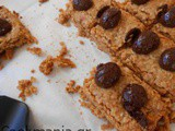 Oatmeal bars with honey and peanut butter