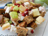 Panzanella salad with chicken and Apple