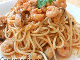 Spaghetti with mussels and shrimps