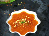 Chilli garlic sauce for momos / spicy dip ( chutney ) for momos