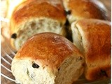 Panini all'uvetta con lievito madre – Sweet sourdough raisins rolls