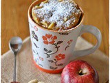 Torta in tazza alle mele e mandorle – Apple and almond mug cake