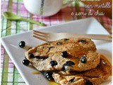 Vegan pancakes alle mandorle con mirtilli e semi di chia – Vegan almond pancakes with blueberries and chia seeds