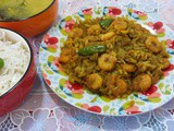 Badhakopi chingrir ghonto / cabbage with prawns
