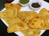 Pepper & cheese stuffed mini parathas