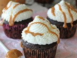 Pumpkin Mocha Cupcakes with Whipped Cream Frosting and Dulce de Leche Drizzle #SundaySupper