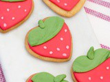 Strawberry-Shaped Vegan Sugar Cookies