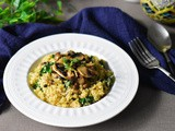 Mushrooms & Spinach Cauliflower Risotto (Paleo, Whole30)